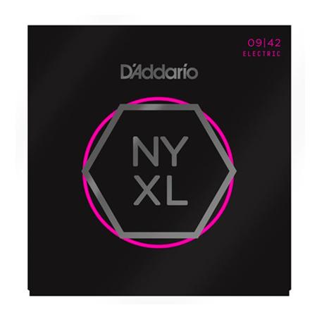Las cuerdas NYXL0942 están diseñadas con calibres súper ligeros para una máxima flexibilidad.  Las cuerdas de guitarra D